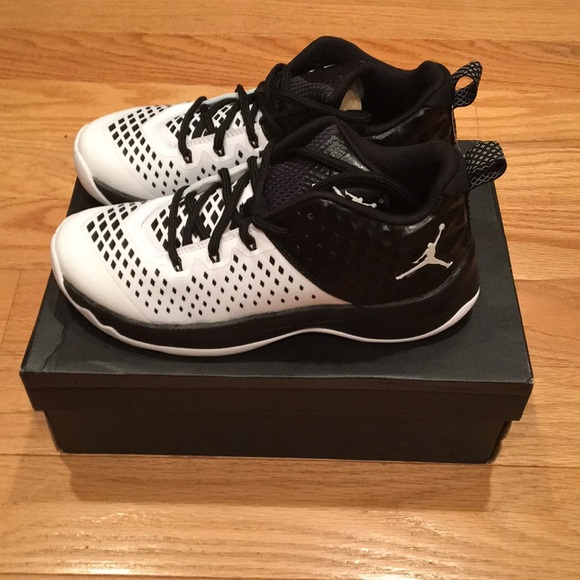 new concept 60537 2c309 Nike Jordan Kids Extra Fly BG Basketball Shoe New!  M 5b90776adcf855939e3e5a6a